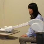 世界初!肘関節がなく、取り外し可能なコンパクトで軽いロボットアーム