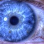 眼科医もおすすめする市販目薬「ソフトサンティア」で目を洗おう