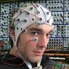 他人の脳と脊髄を電極でつなげたら操作出来るのか?米脳神経外科医が実験
