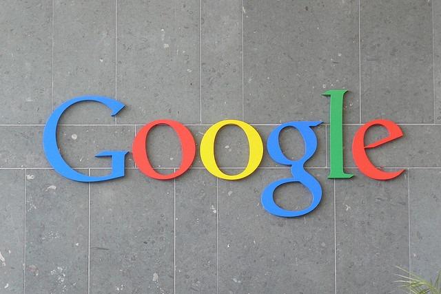 Google ブランドを使用している