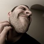 皮膚を傷付けず、掻かないで痒みをとる方法(薬がない場合)