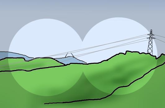 山の頂に砲塔ズームアップ送電線込み