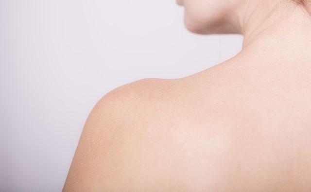 背中を皮膚科で治療