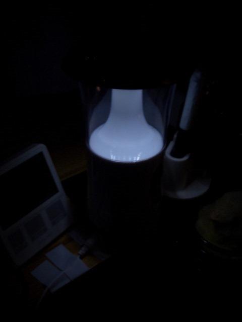 USB充電式のポータブルLEDランタンCW8736弱い光