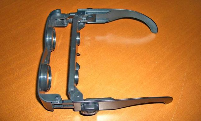 Zoomies眼鏡型双眼鏡、上から見た図