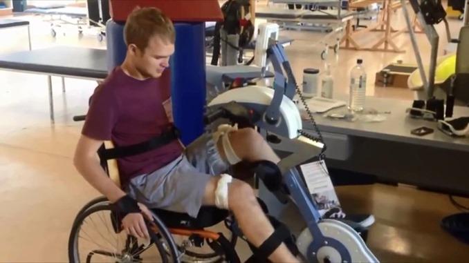 電気刺激バイクレースのトレーニング