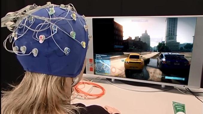 脳波でカーレース