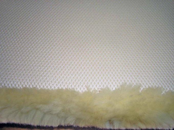 褥瘡予防ムートン枕の裏面メッシュ