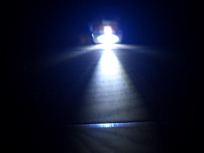 ハローキティダイナモライト暗いところでライトをつける