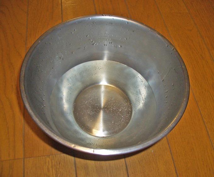 60℃以上のお湯を用意する