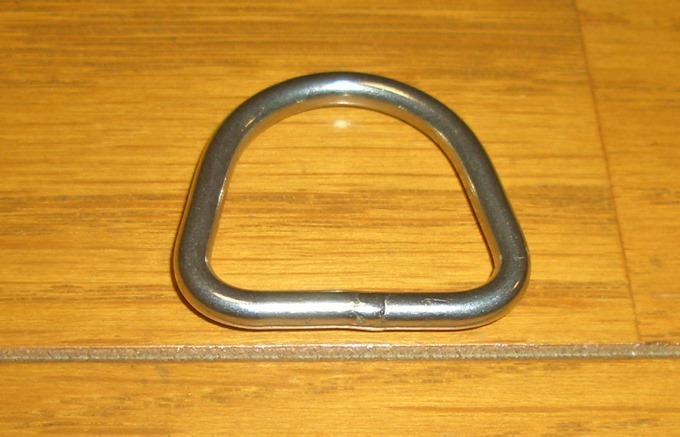 かまぼこ型の金属リング
