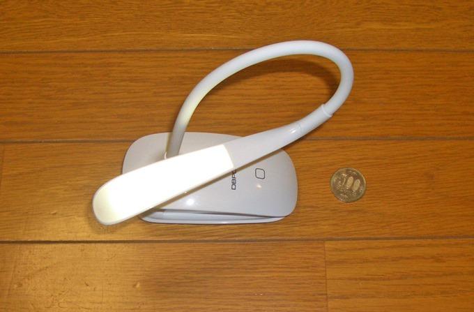 USB充電式LEDクリップライトのネック部分