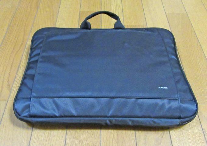 ノートPC用バッグに15.6インチノートを収納