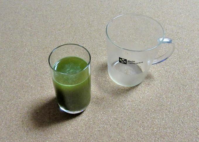 水道水で青汁を作成した状態