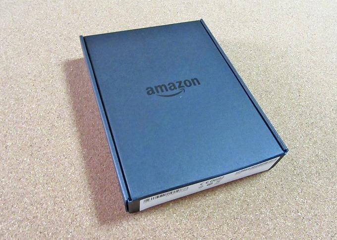 Amazon Kindle端末のパッケージを取って中にあるロゴが入った箱