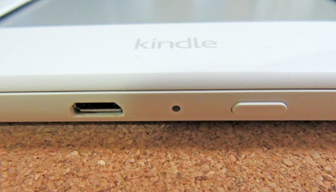 Kindle端末の電源とUSB接続端子