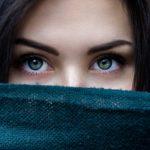 おすすめの1回使い切りタイプ目薬まとめ。防腐剤無添加で目の疲れやドライアイに有効な人工涙液。