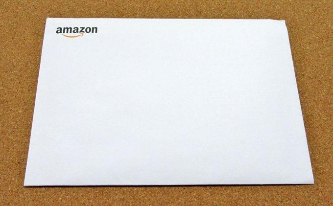 グリーティングカードタイプに入っていた白い封筒の表(Amazonロゴ)
