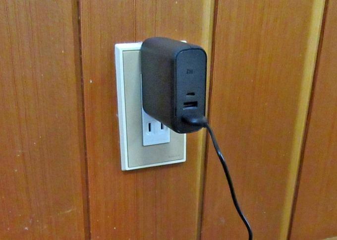 モバイルバッテリー充電手順がひと手間省ける