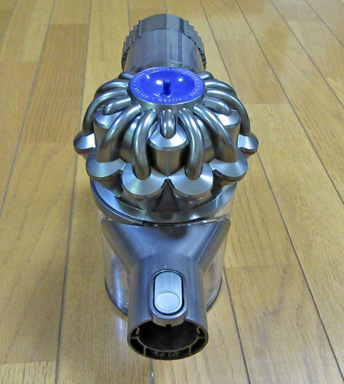 ダイソンDC62本体(正面)