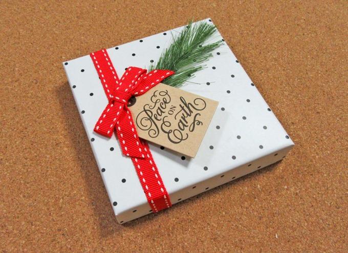 Amazonギフト券ボックスタイプ(クリスマスドット)