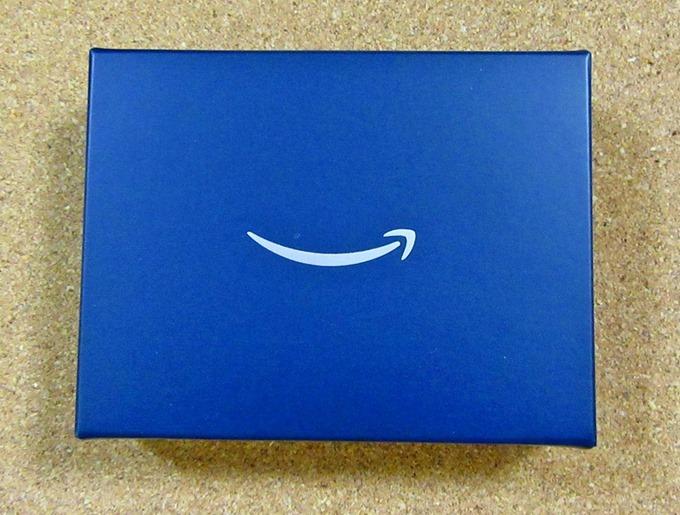 Amazonギフト券マット・ネイビーボックスののし帯を外した状態