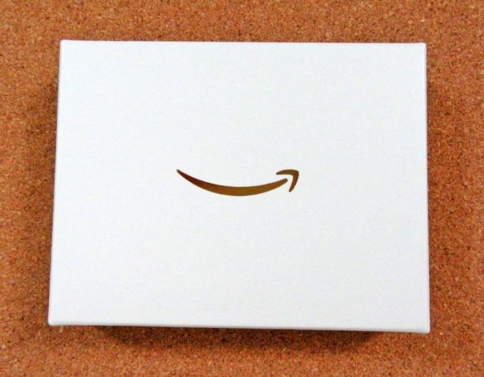 Amazonギフト券ベージュボックスののし帯を外した状態